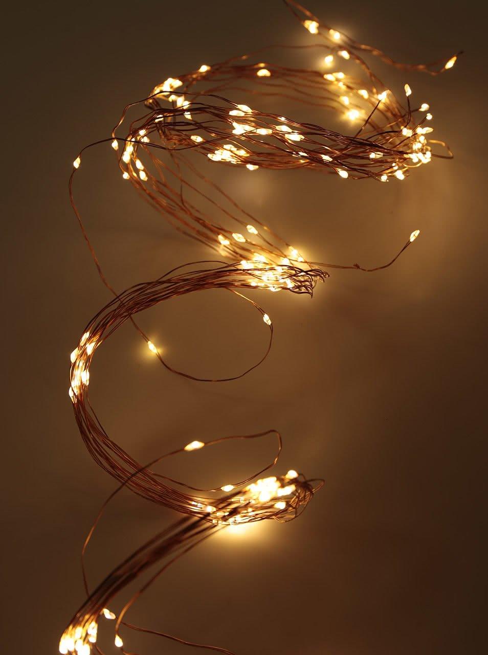 Žlutý světelný LED řetěz do zásuvky ve tvaru kapek decoLED