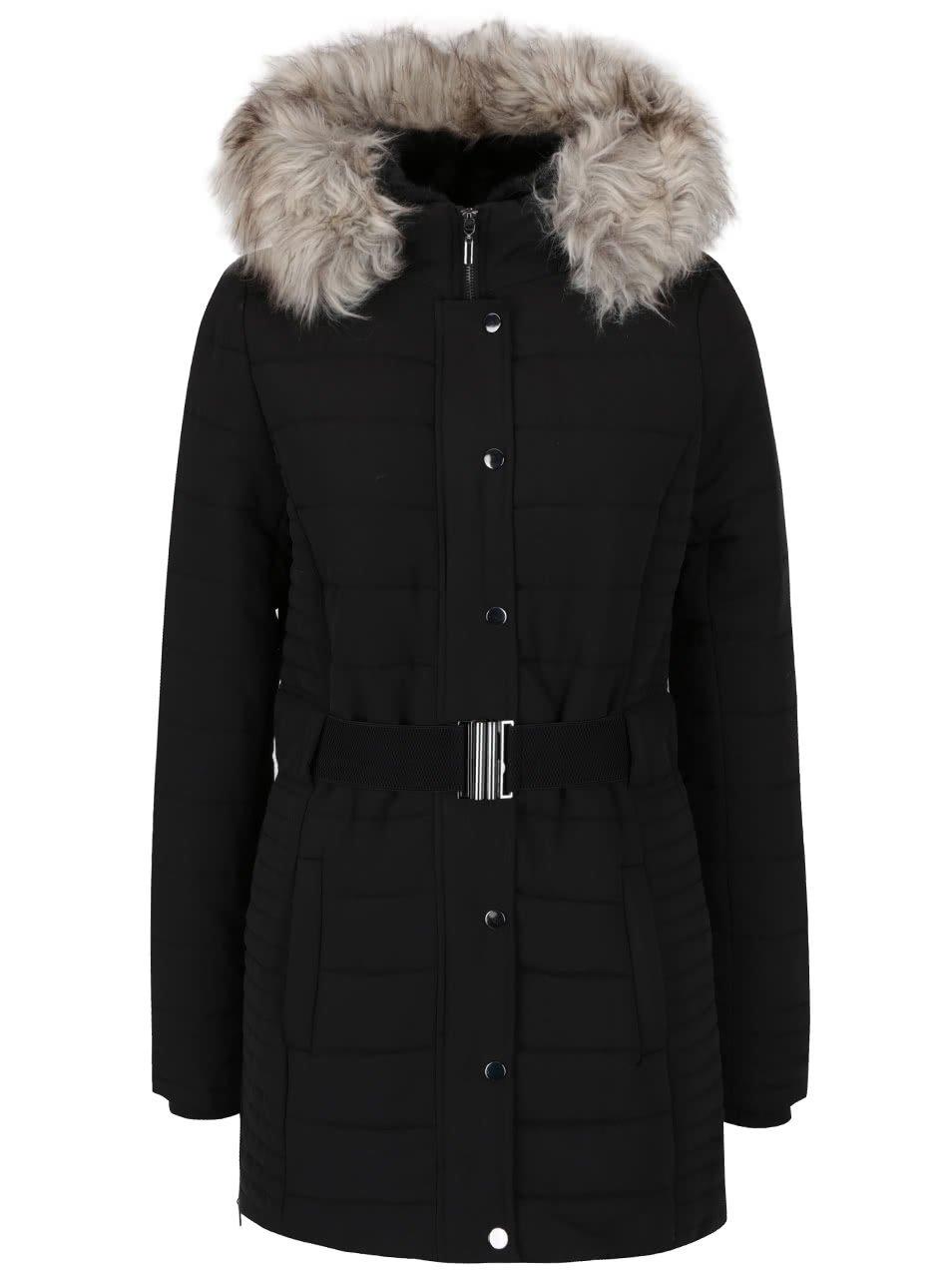 Černý kabát s kapucí a umělým kožíškem TALLY WEIJL