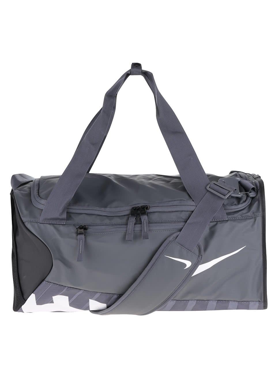 Černo-šedá sportovní taška s logem Nike Alpha