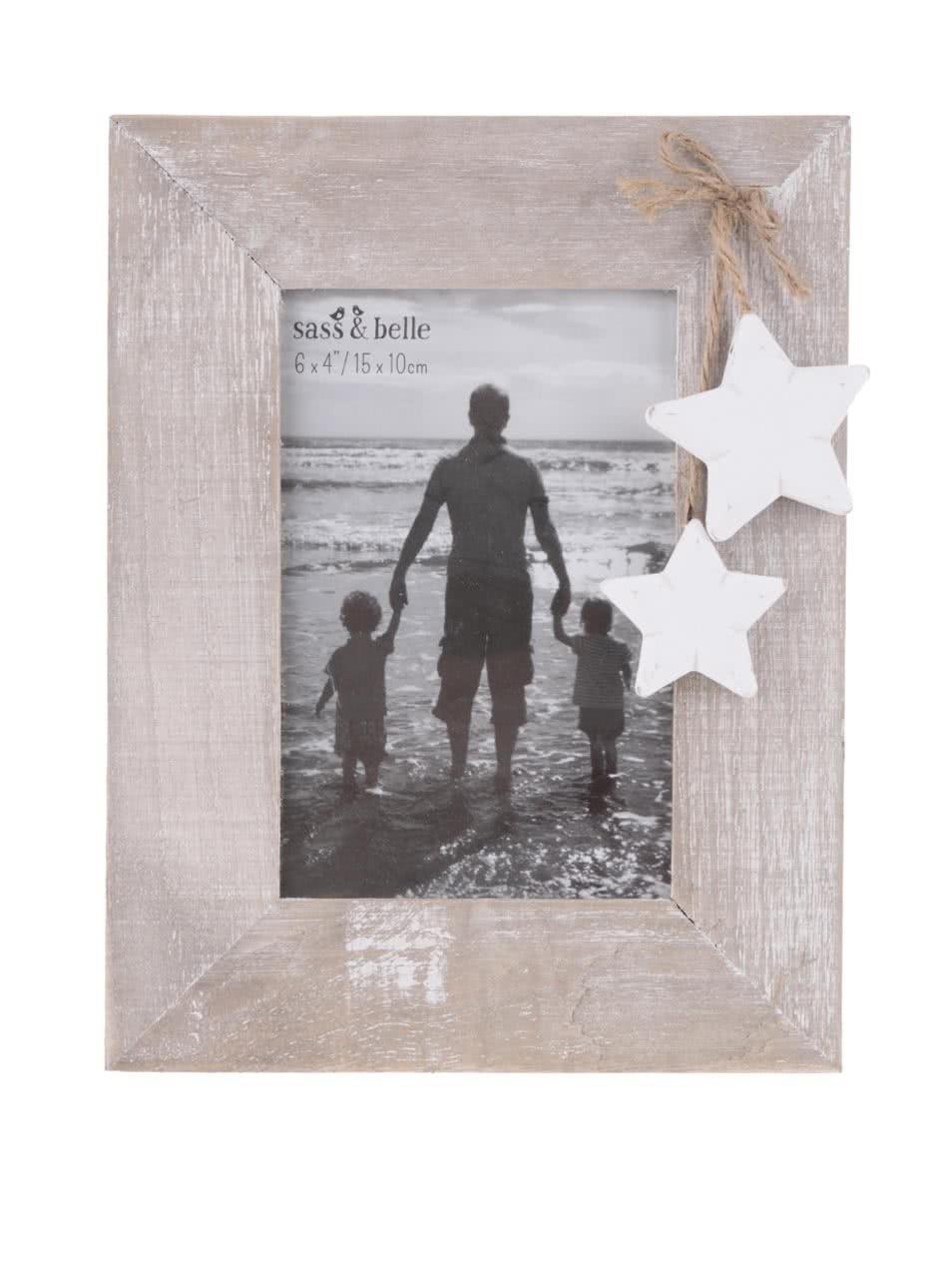 Světle hnědý menší dřevěný fotorámeček Sass & Belle