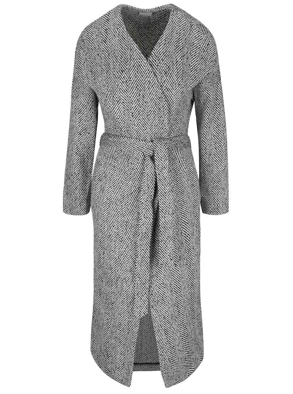 Černo-bílý vzorovaný kabát se zavazováním v pase Vero Moda Gippy
