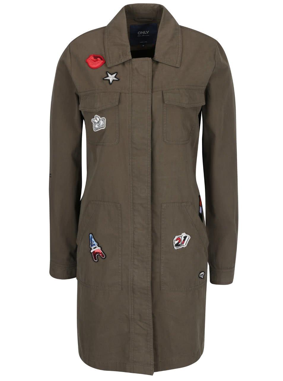 Khaki dlouhý kabát s nášivkami ONLY Lena
