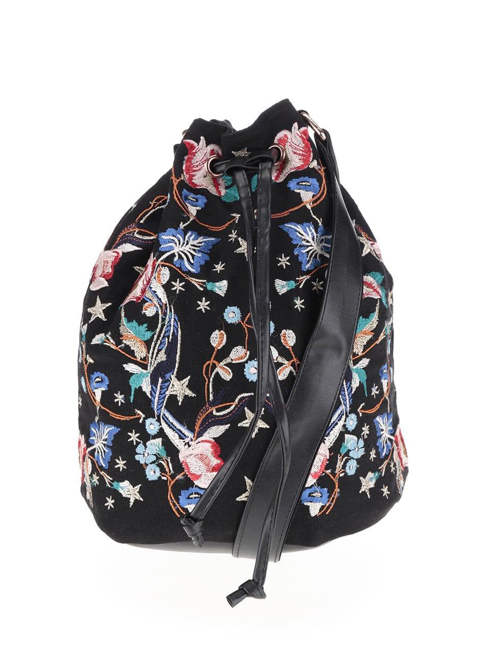 Černá crossbody kabelka s květovanou výšivkou Miss Selfridge