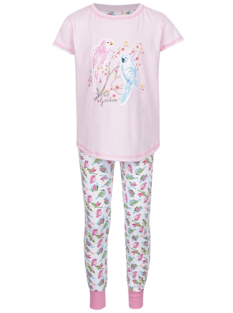 Bílo-růžové pyžamo s motivem papoušků 5.10.15.
