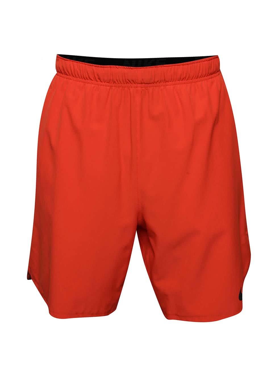 Červené pánské funkční kraťasy Nike