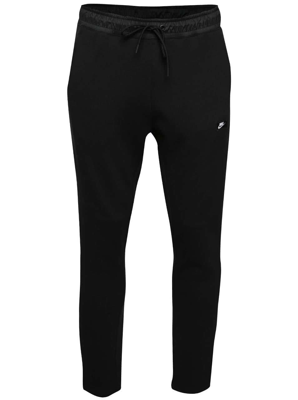 Černé pánské slim fit tepláky Nike Modern Pant