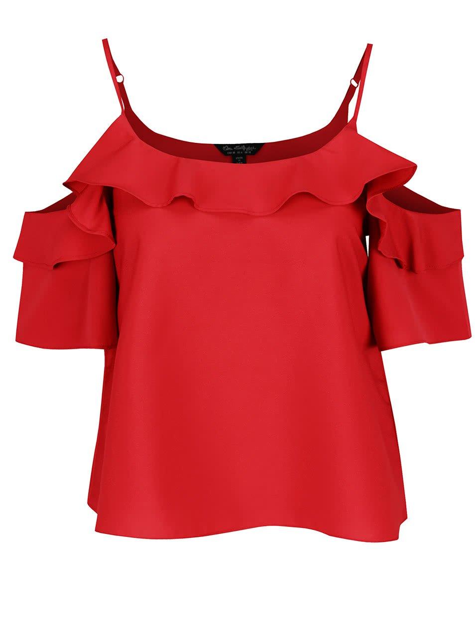 červený crop top s odhalenými rameny a volánem Miss Selfridge