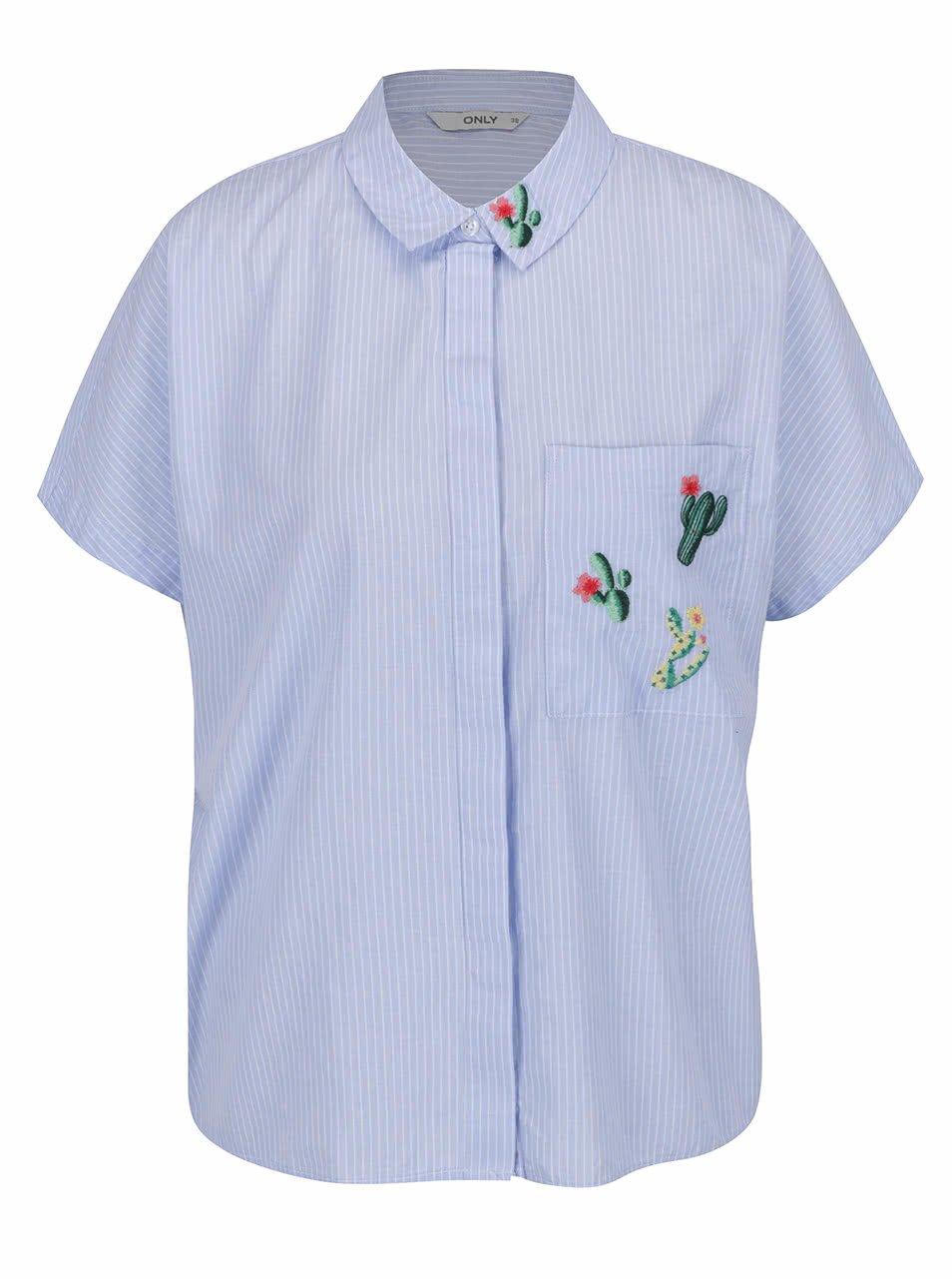 Světle modrá volná pruhovaná košile s výšivkami ONLY Mava