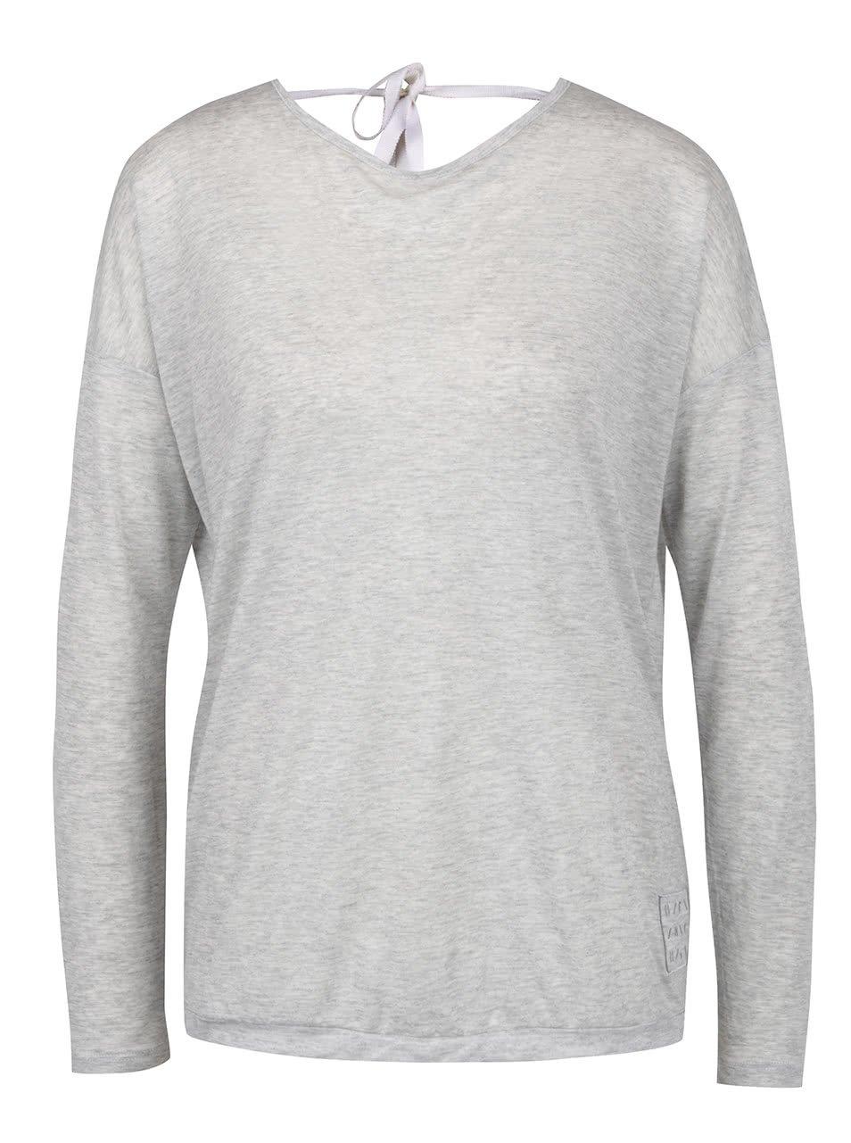 Šedé tričko s překládaným zadním dílem a průstřihem Bench