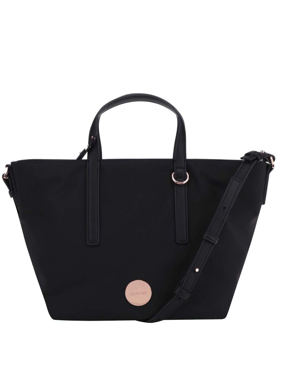 Černá dámská kabelka s logem ve zlaté barvě Calvin Klein Jeans