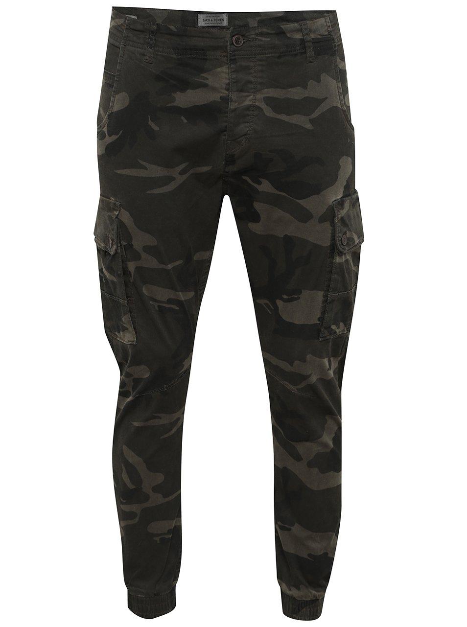 Khaki maskáčové kalhoty s kapsami Jack & Jones Paul