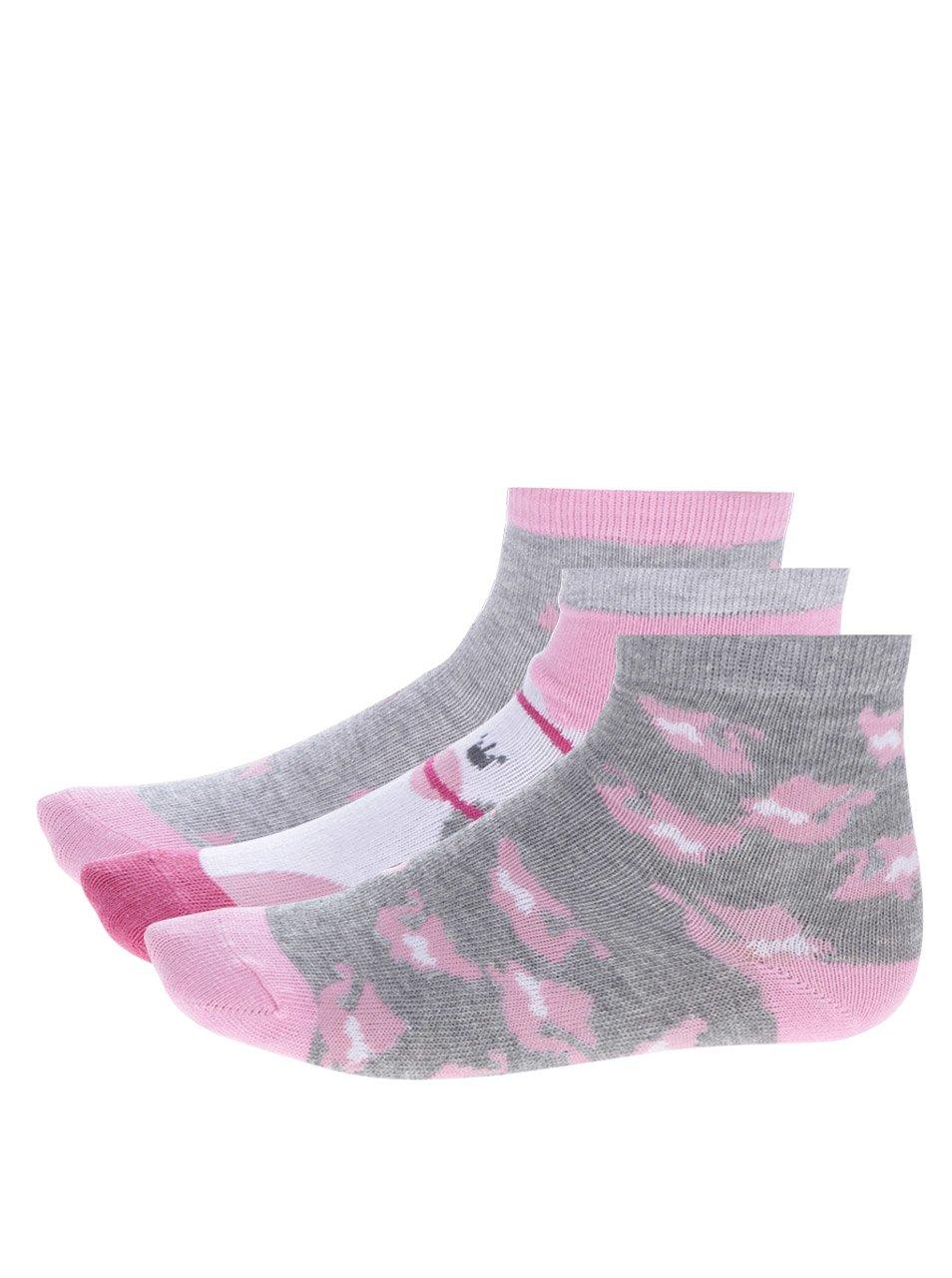 Fotografie Sada tří párů holčičích vzorovaných ponožek v šedé a růžové barvě 5.10.15.