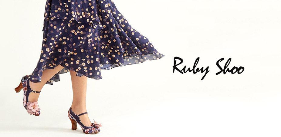 Ruby Shoo: Pantofi excentrici