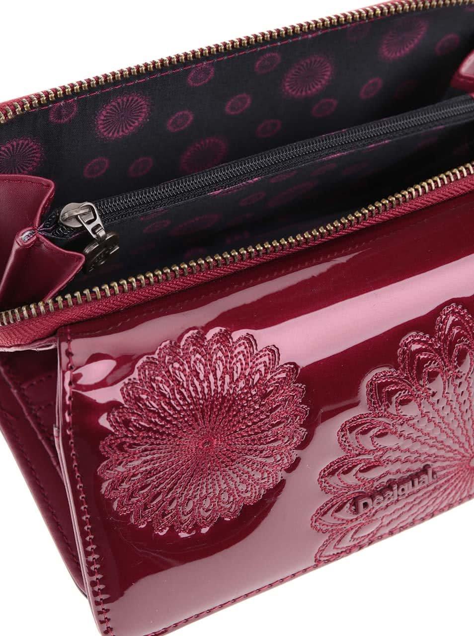 Vínová veľká lesklá peňaženka s ornamentmi Desigual Maria Kate ... 7821cdc25d8