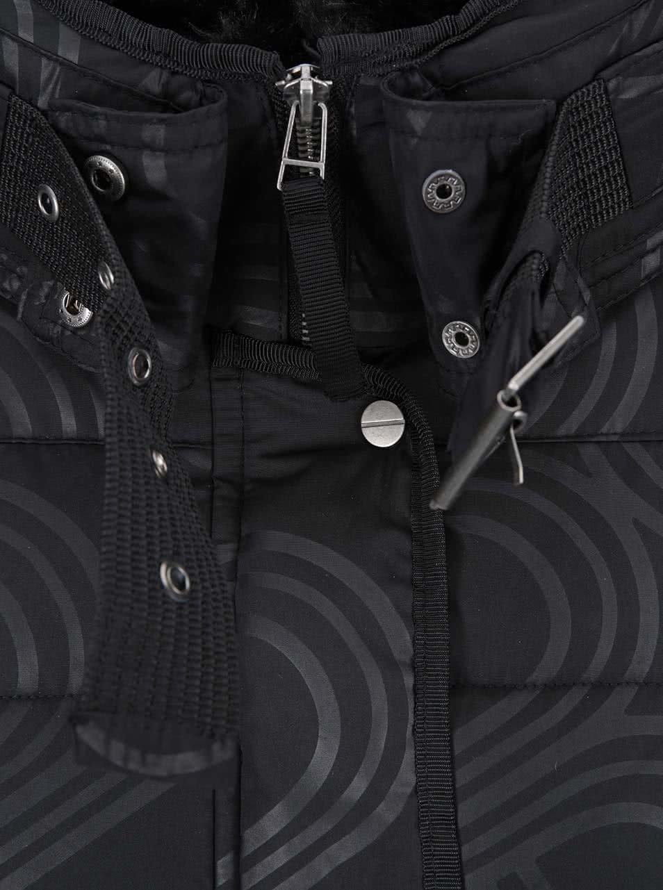 495adda8e0 Čierny vzorovaný kabát Desigual Four   ZOOT.sk