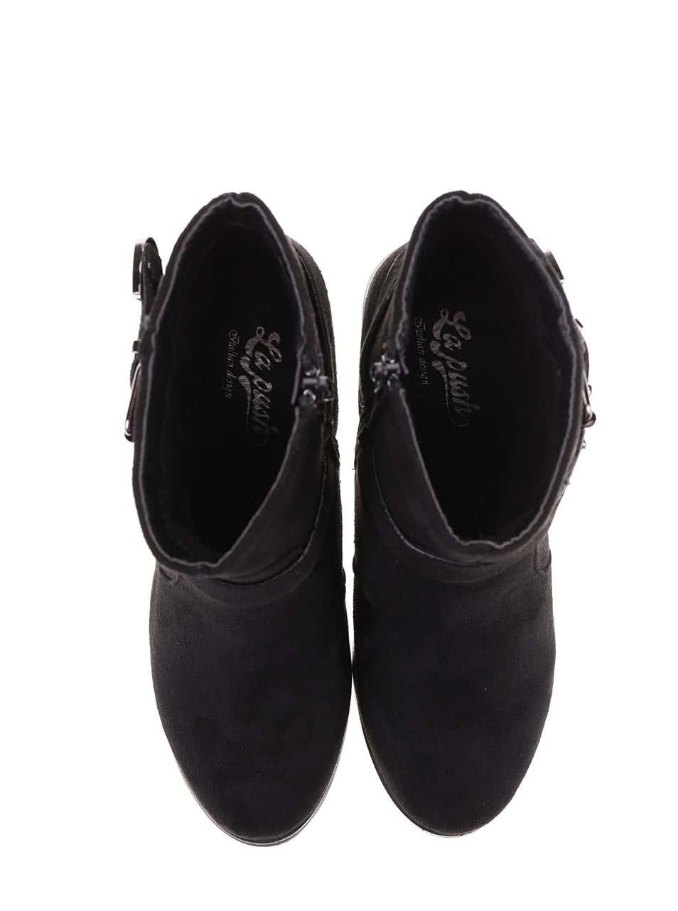 88977428d3 Čierne členkové topánky na podpätku s ozdobnou prackou La Push ...