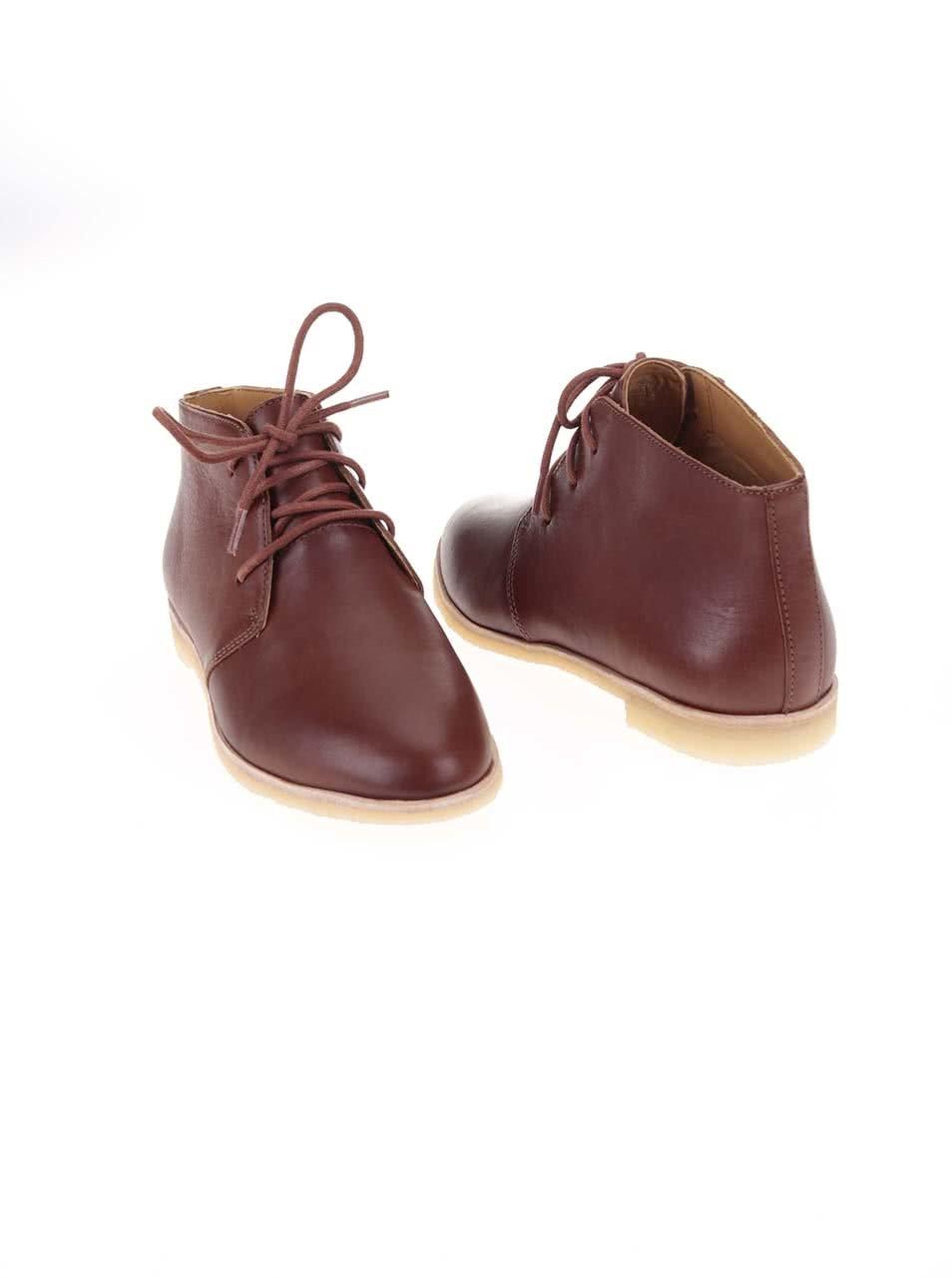 Hnedé dámske kožené členkové topánky Clarks Phenia Desert ... d677b78fba5