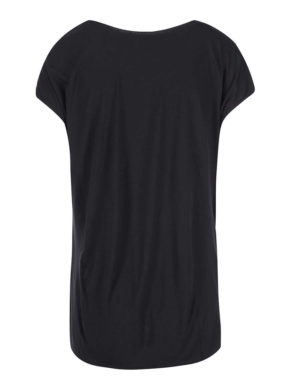 e75f5687bb7b Čierne dámske tričko s metalickou potlačou s.Oliver