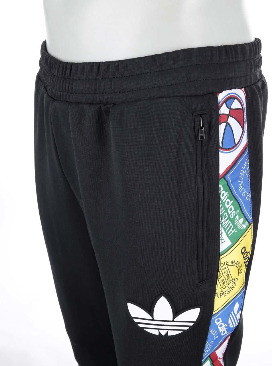 Černé pánské tepláky adidas Originals Tape Labels ... ebf296265f