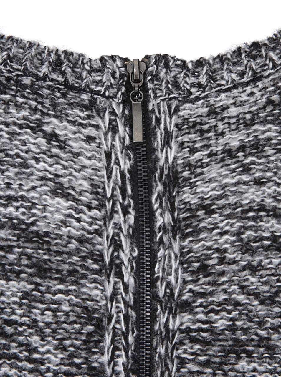 516ec882c96 Bílo-černé pletené šaty s dlouhým rukávem Brave Soul ...