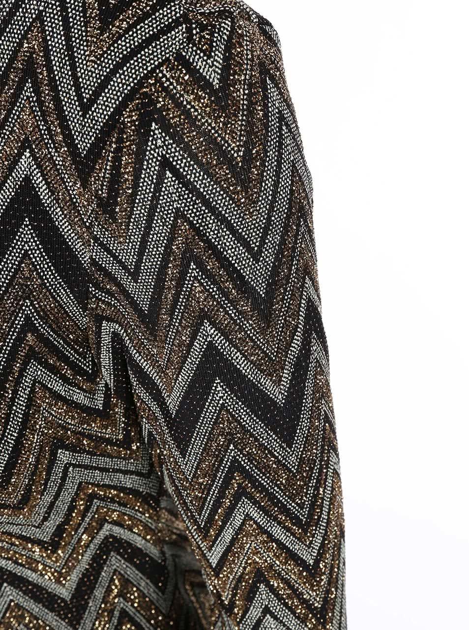 e3cbda26f844 Čierno-zlaté vzorované šaty s výstrihom na chrbte New Look ...
