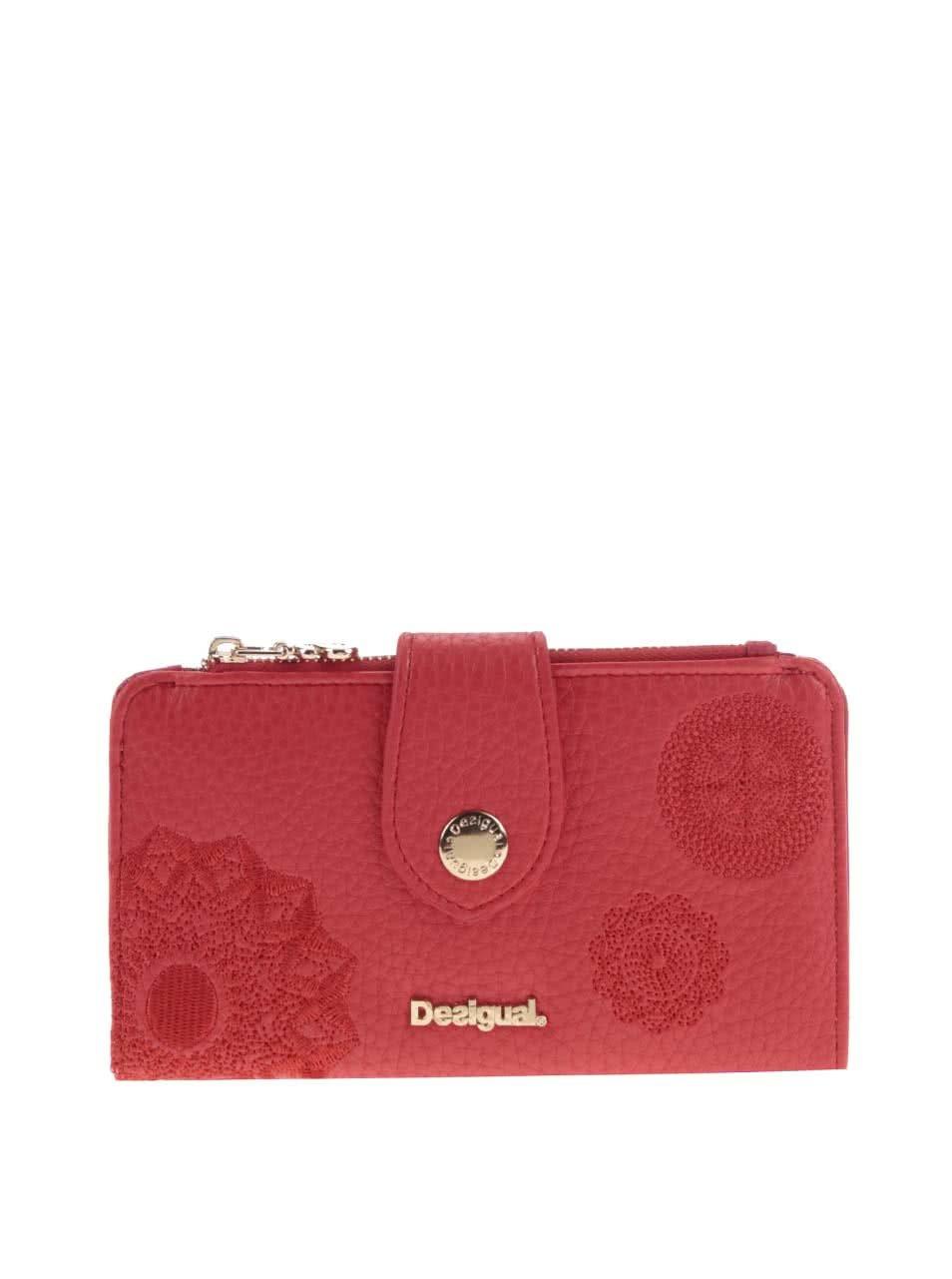 b36237c3bb Červená peňaženka so vzormi Desigual Basic ...