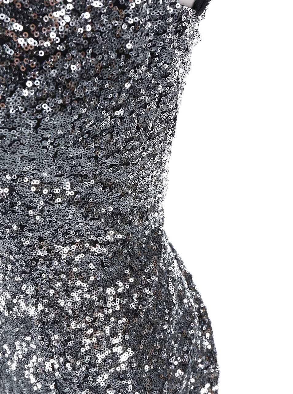 Dlouhé šaty v stříbrné barvě Goddiva ... 5066e6b67c