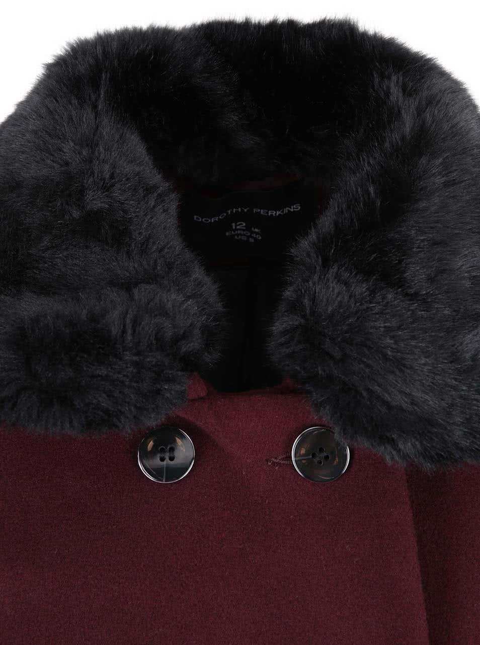 bc95d4f7613c Vínový kabát s kožušinovým golierom Dorothy Perkins ...