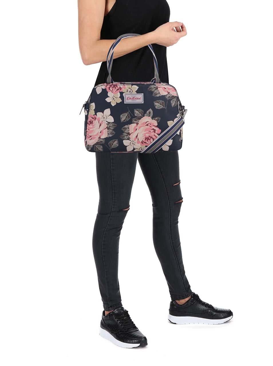7312173bf3 Tmavomodrá kvetinová kabelka Cath Kidston