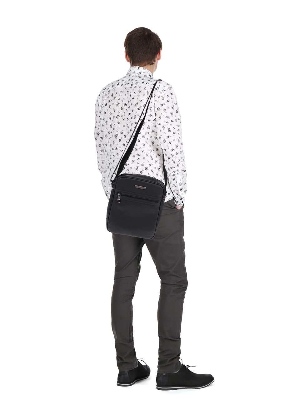 2febcad025 Černá pánská taška přes rameno Tommy Hilfiger Essential Reporter ...