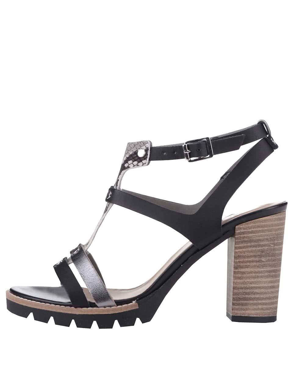 c3de463099e8 Čierne remienkové sandále na podpätku Bullboxer ...