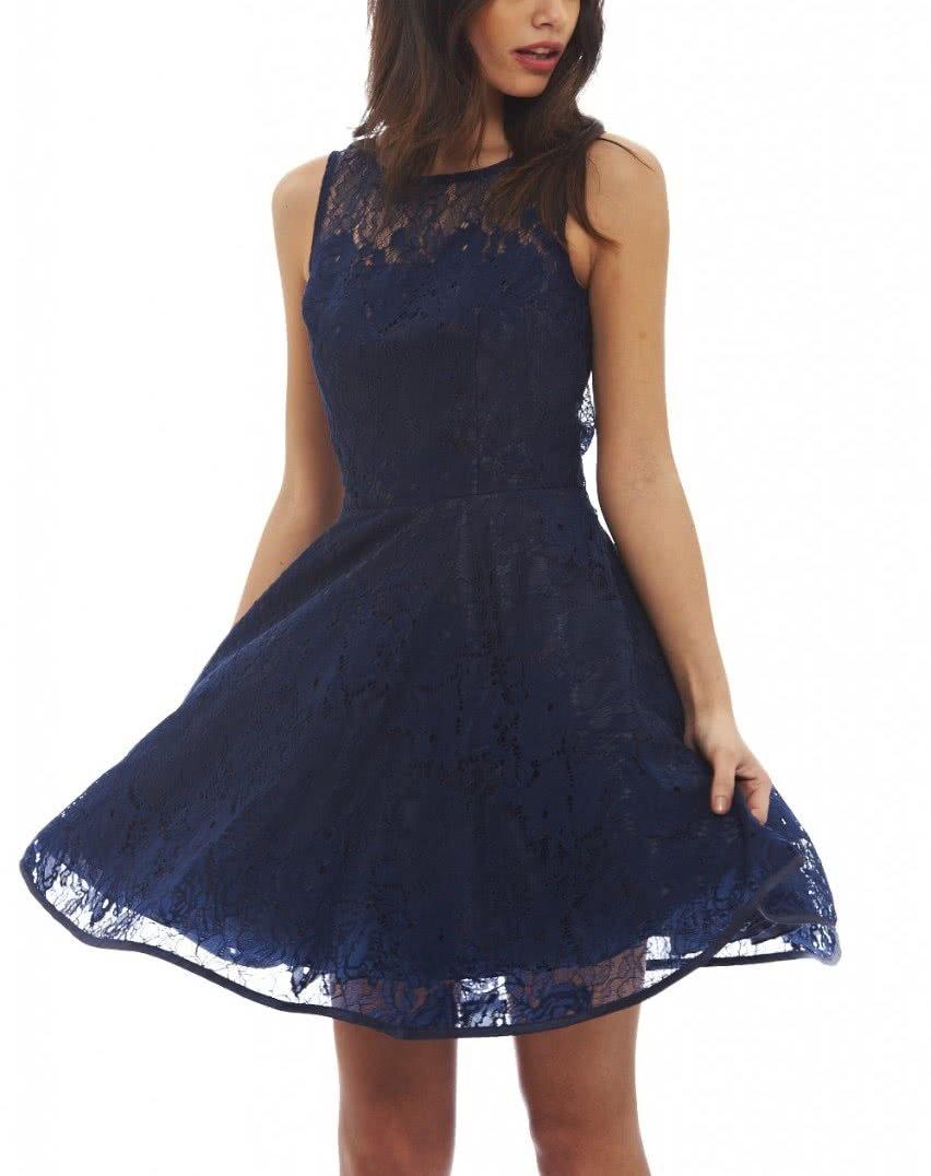 4d1cfc2aac63 Tmavomodré šaty s čipkou AX Paris ...