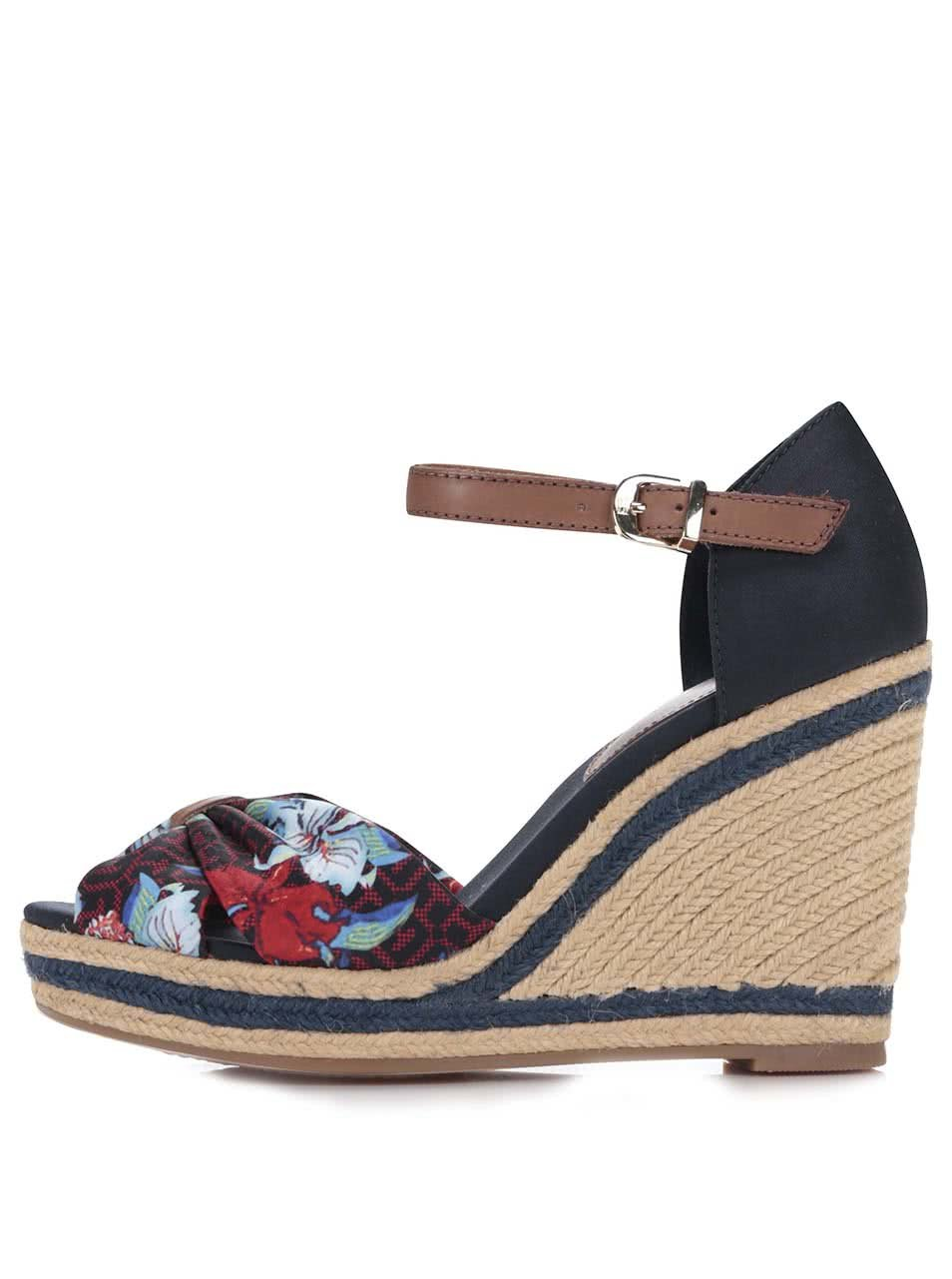 b8ea9731dd Barevné dámské boty na klínku s květinami Tommy Hilfiger ...