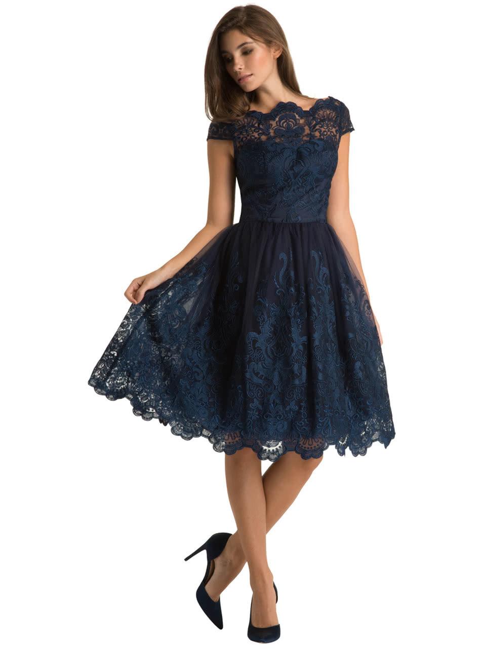 Tmavomodré čipkované šaty Chi Chi London April ... caa55b81bc8