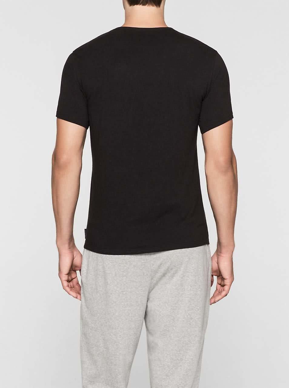 2f9cf2bce4 Súprava dvoch pánskych slim fit tričiek v čiernej farbe s véčkovým  výstrihom Calvin Klein Underwear ...