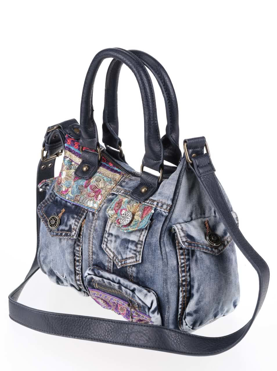 12d07db192 Modrá rifľová kabelka s vreckami Desigual London ...