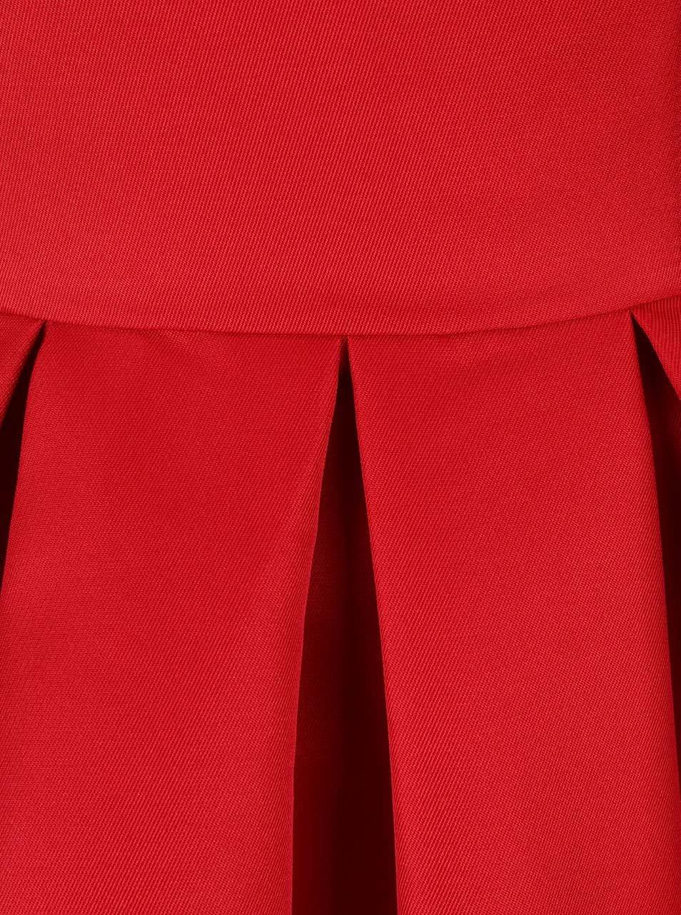 abf4050135b9 Červené šaty so spadnutými ramenami Chi Chi London Jade ...