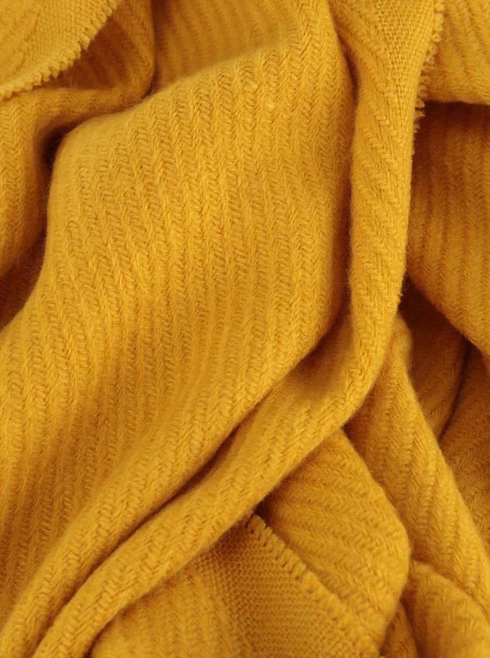2f39d0580a7 Žlutá šála s třásněmi Pieces Kial ...