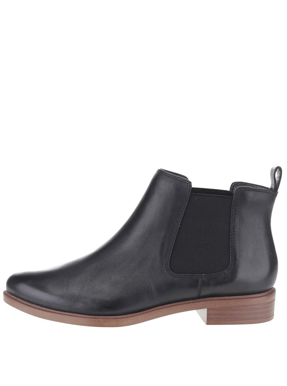 Čierne dámske kožené chelsea topánky Clarks Taylor ... dcfe598ba04