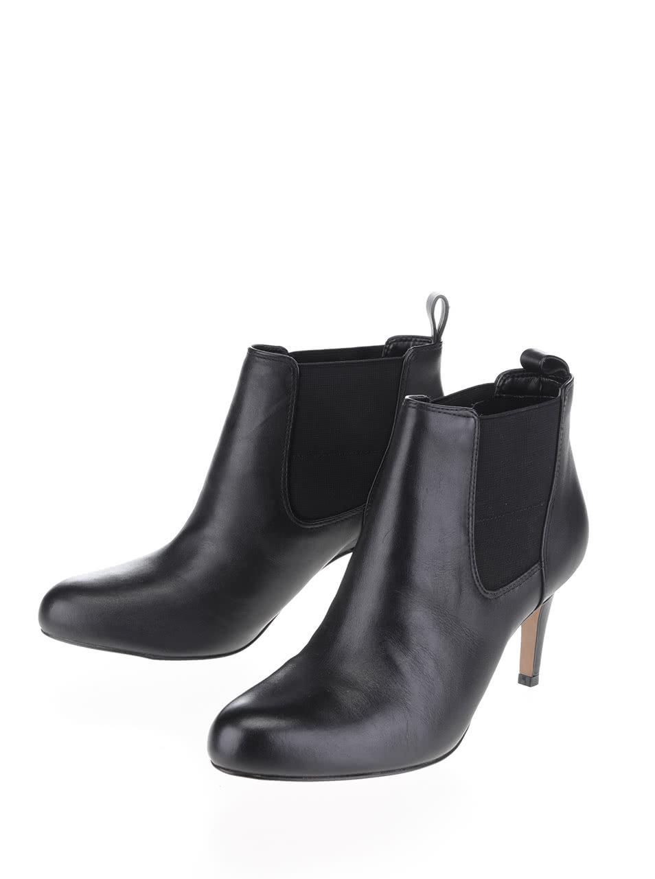 912bbb6afc Čierne dámske kožené členkové topánky Clarks Carlita ...