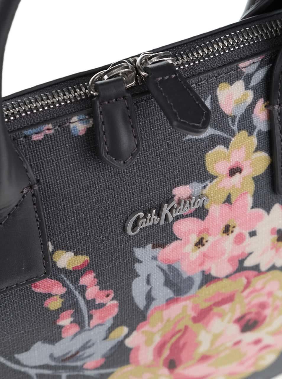 7347d07cc9 Tmavě šedá květovaná kabelka Cath Kidston ...