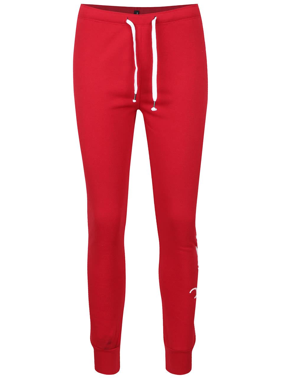 7e90907bb65 Červené tepláky s potlačou na ľavej nohavici TALLY WEiJL ...