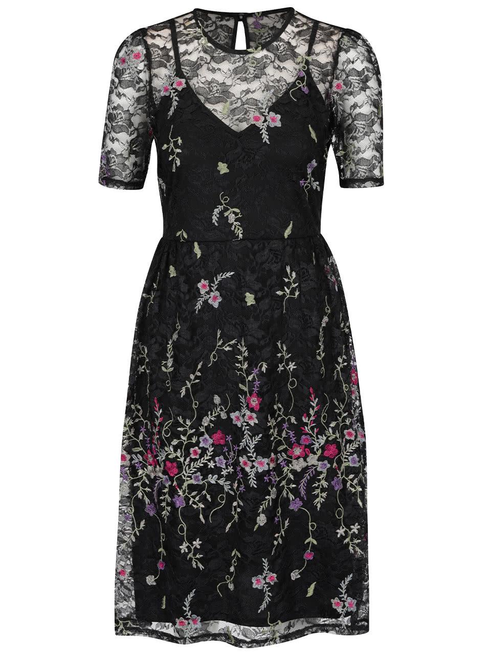 ab0f71cd4826 Čierne čipkované šaty s vyšívanými kvetmi Miss Selfridge ...