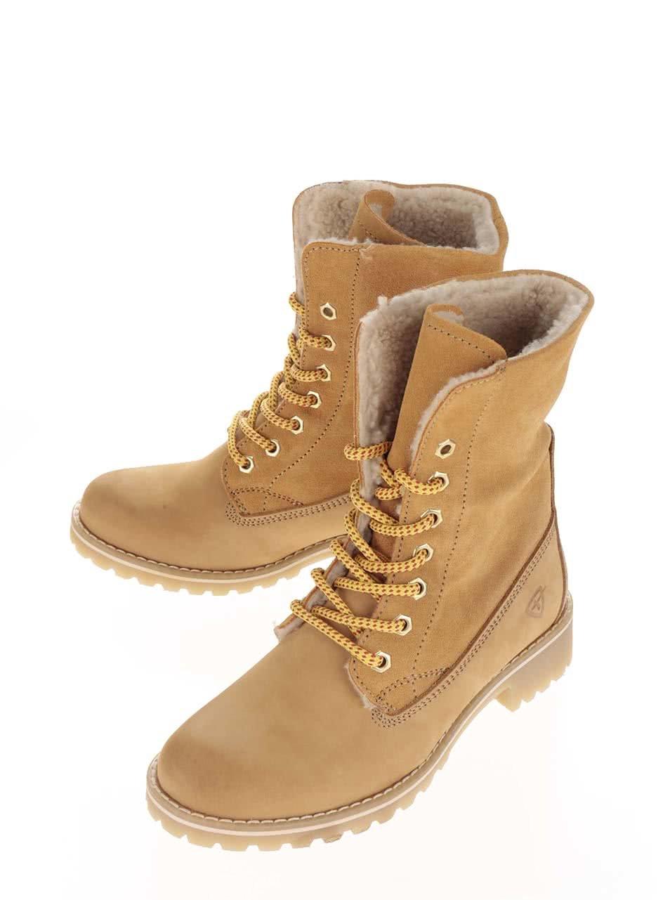 3357c7f6e5 Hnedé zimné kožené topánky s kožušinou Tamaris ...
