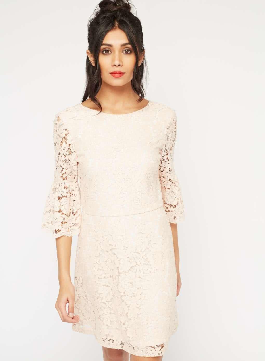 12e64195f0b Starorůžové krajkové šaty s 3 4 zvonovým rukávem Miss Selfridge ...