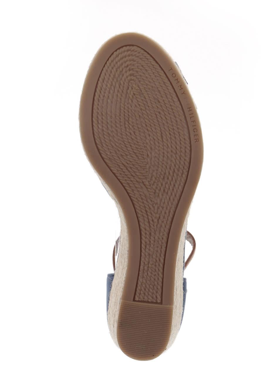 afbb72f208 Svetlomodré dámske topánky na klinovom podpätku Tommy Hilfiger ...
