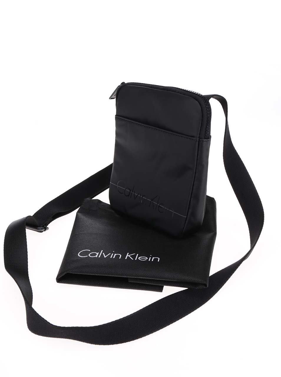635079ef68 Černá pánská taška přes rameno Calvin Klein Jeans Logan ...