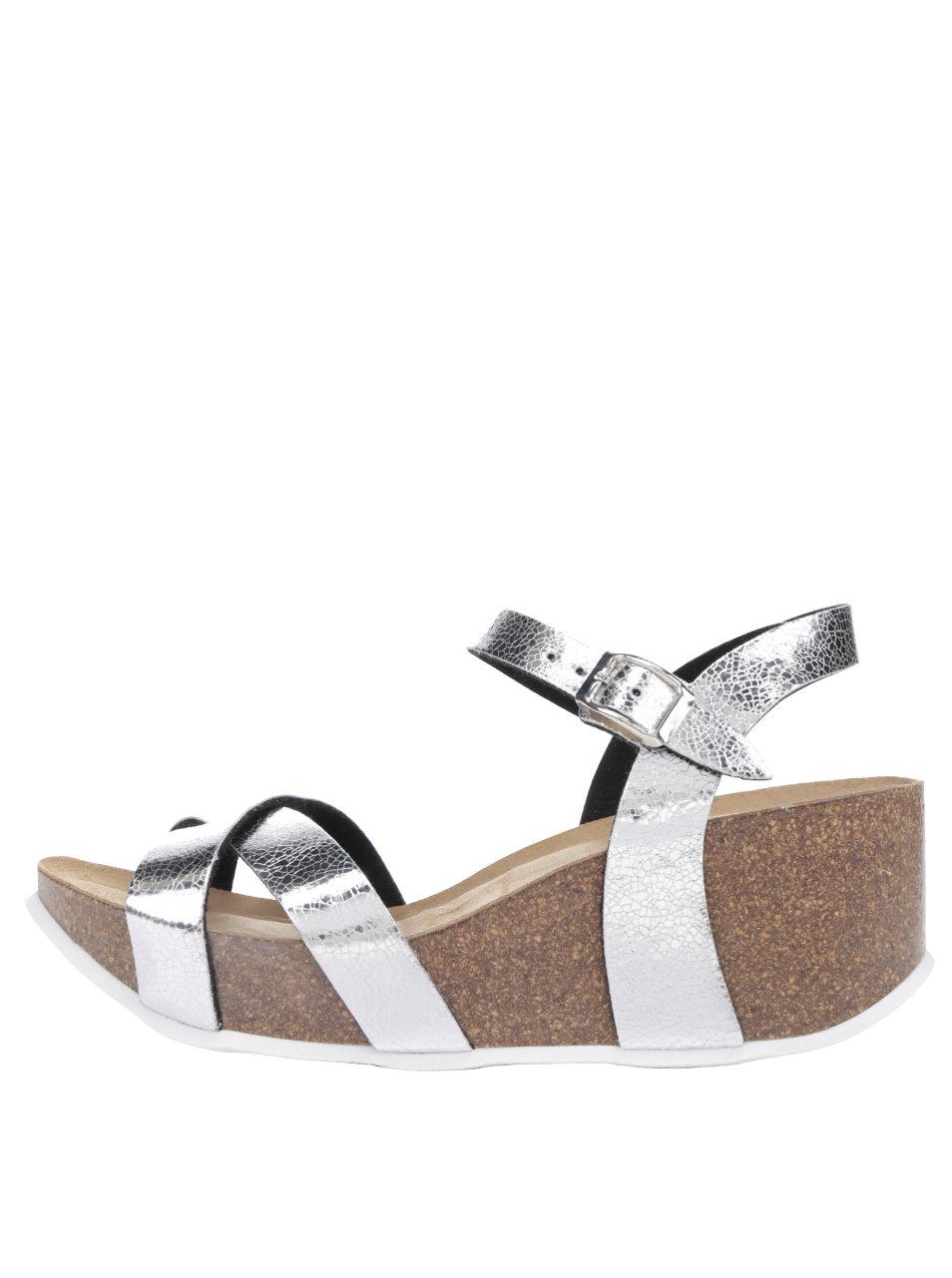 5f4eace4a35c Dámske sandále na platforme v striebornej farbe OJJU ...