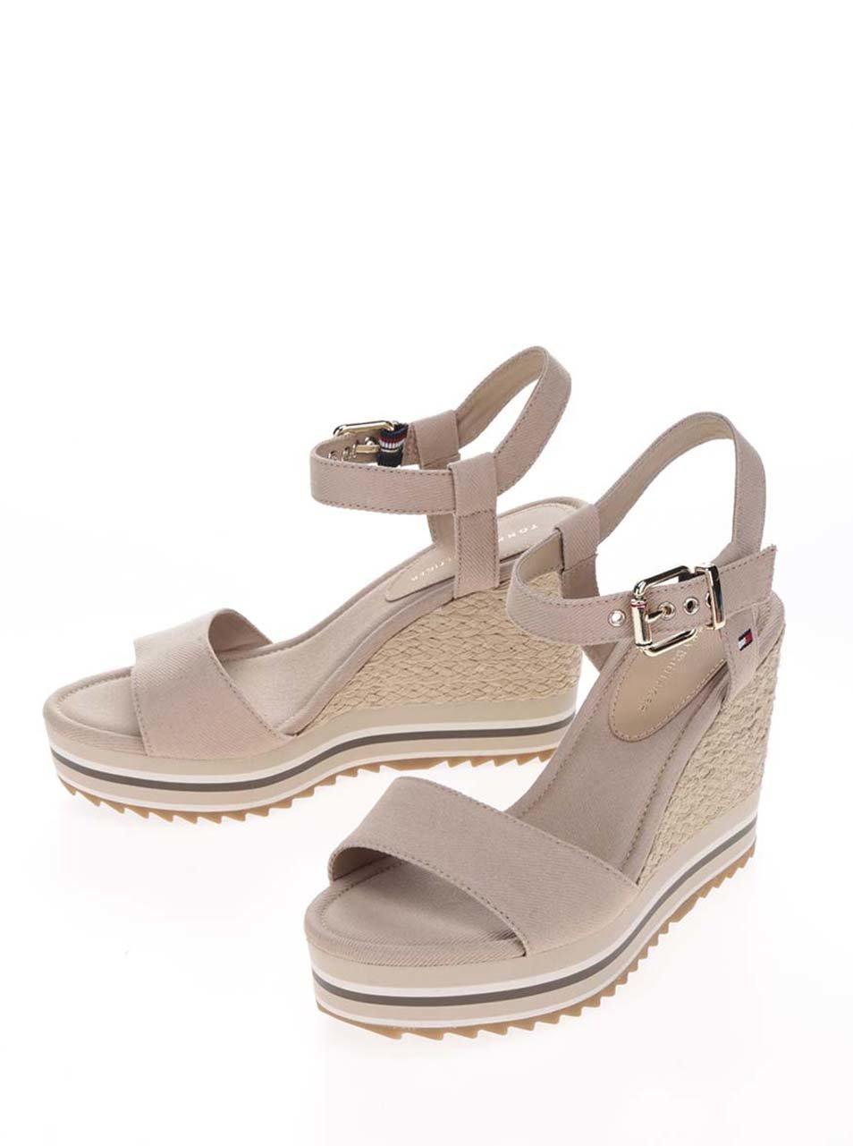 faf64a544c76 Béžové dámské sandály na klínku Tommy Hilfiger ...