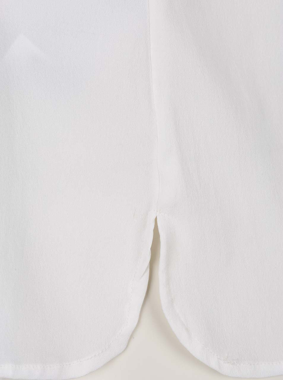 7e34bcbc76f3 Biela blúzka bez rukávov s véčkovým výstrihom VERO MODA Miami ...